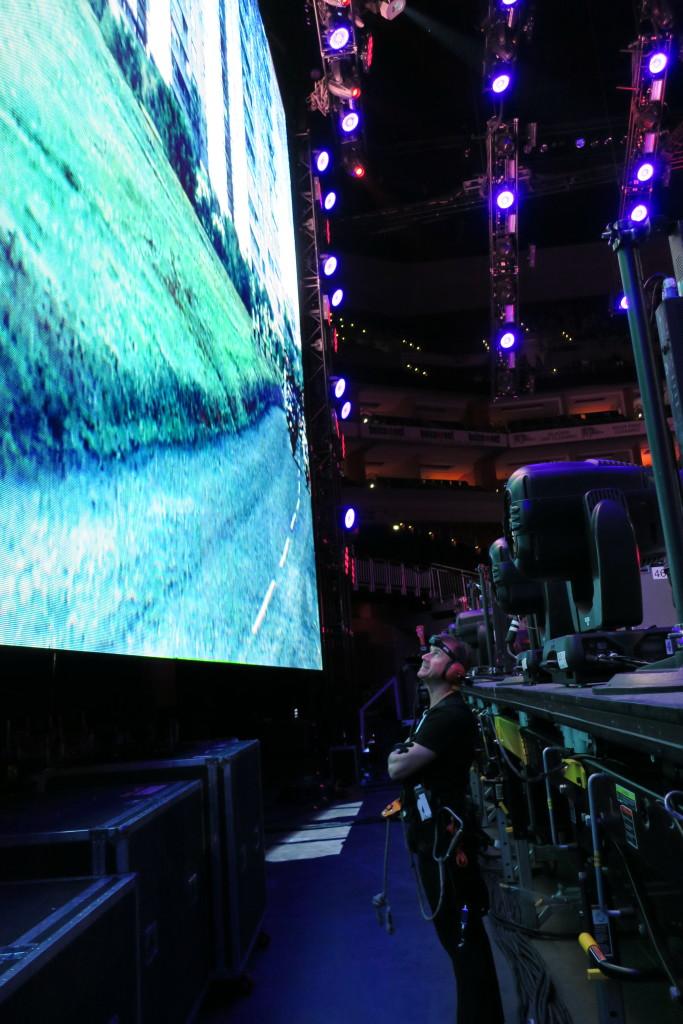 11 LED screen